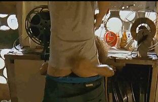 Seorang remaja video bf sex jepang ramping mendorong guru.