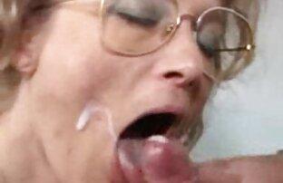 Schoolgirl sucks Asia dan video xxx jepang full makan