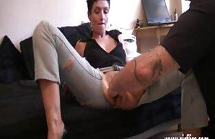 Anak video xxx selingkuh jepang anjing itu diikat oleh dominatrix nya