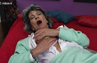 Maria Lynn masturbasi prno jepan dengan vaginanya.